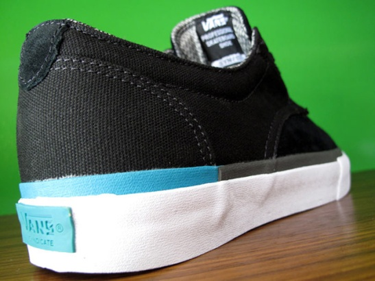 Vans-Syndicate-Derby-S-Black-Lake-Blue-7674